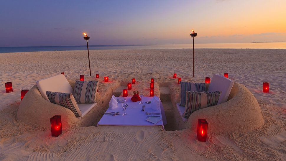 Sand-Castle-Dining-@-Velassaru-Resort